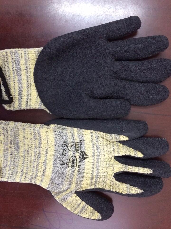 Găng tay chống cắt Venicut 52-DeltaPlus (Pháp)