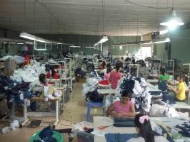 Tìm xưởng may quần áo công nhân cơ khí chất lượng